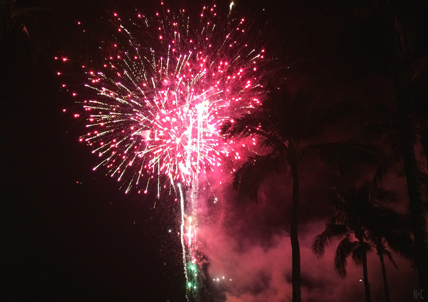 116-hilton-beach-fireworks-red