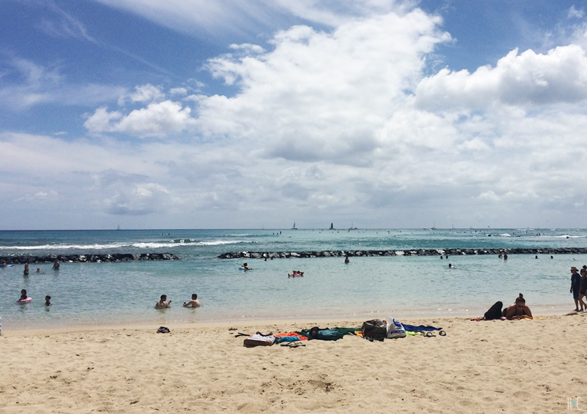 116-waikiki-beach-breaks