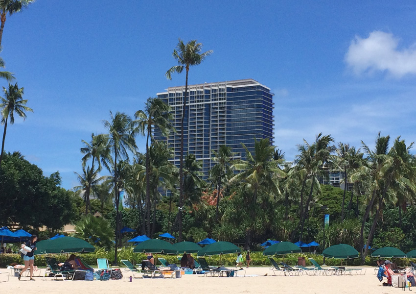 116-waikiki-beach-hotel-chairs
