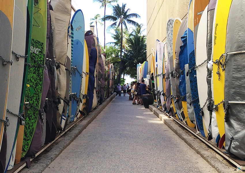 116-waikiki-surfboard-alley