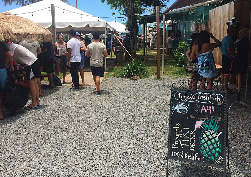 119-northshore-foodtrucks-pineapple-sign